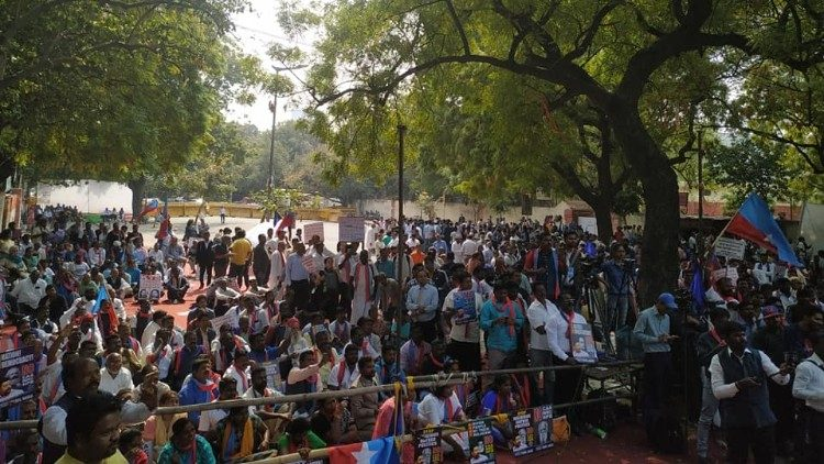 """""""Black Day"""" protest against discrimination of India's Dalit Christians"""