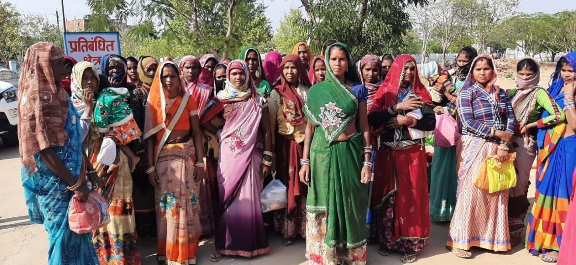 Sheopur: Women of four villages submitted memorandum to the administration for malnutrition money