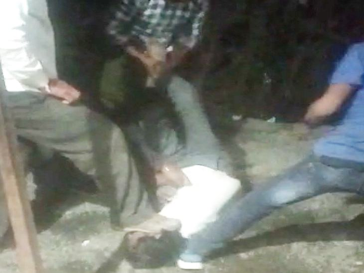 My fault is to be a laborer ?:Diesel theft charge: Belt and kick punches in the waist with legs in the face