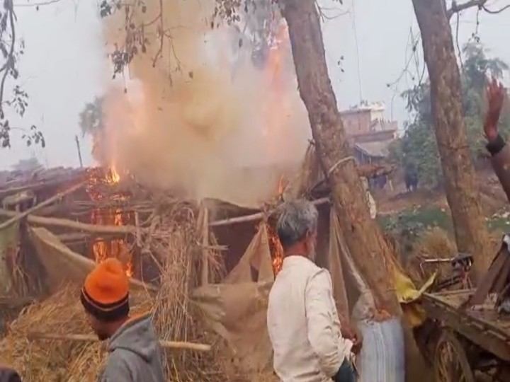 Dabangs beat up Dalit family for opposing molestation, set fire to house and shop