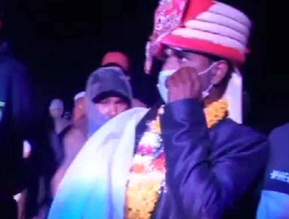 The bullies stopped the procession of the Dalit, drove the groom from the mare, two groups clashed
