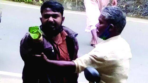 Muslim driver beaten and looted by cow vigilantes, booked by police later