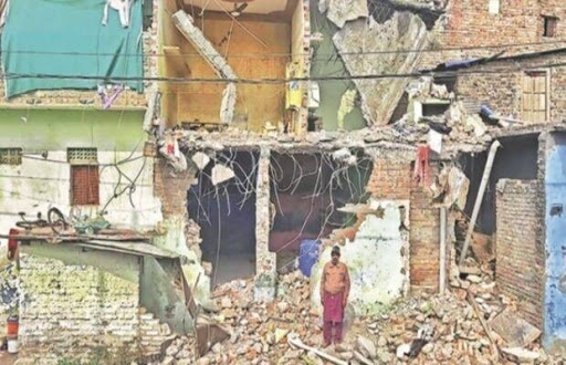 MP : Government demolishes homes of poor Muslims , Hindu family gives them shelter