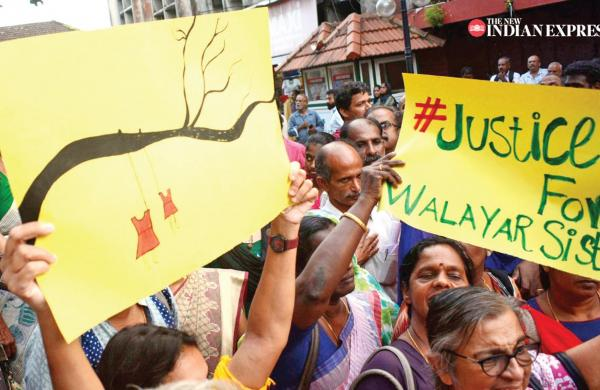 Walayar case: Mother of girls threatens tonsure, anti-govt campaign