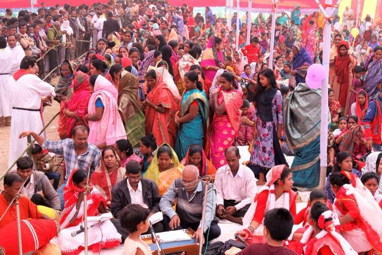 Catholics and Protestants unite in Bangladesh for gathering