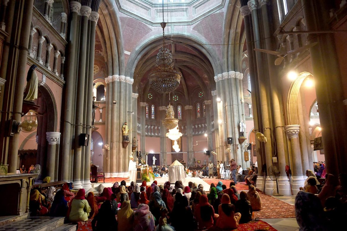 Pakistan's Christians Celebrate Easter Amid Pandemic and Security Concerns