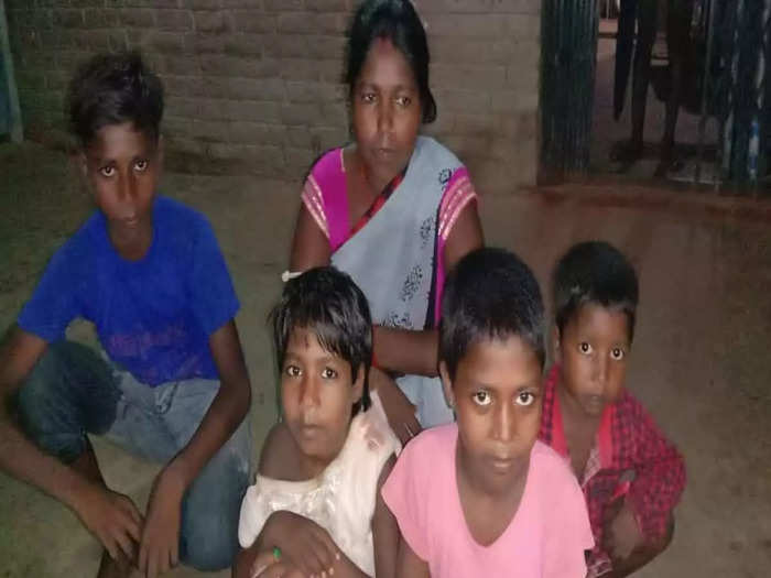 Dabang used to molest, the police administration did not listen to the complaint, then the Dalit woman fled with the family